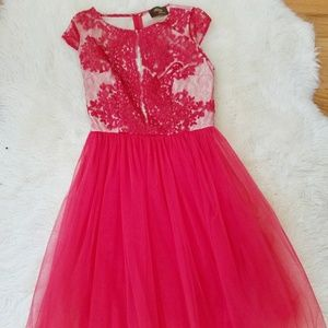 Dresses & Skirts - NEW!! Red tulle lace dress
