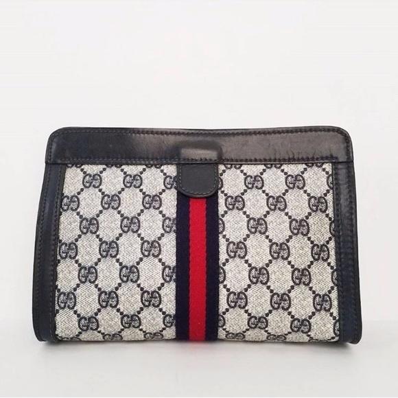 049da714c852 Gucci Bags   Flash Sale Small Vintage Velcro Clutch   Poshmark