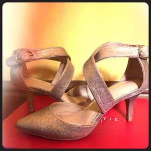 Dramatic gold & silver kelly and Kate heels!