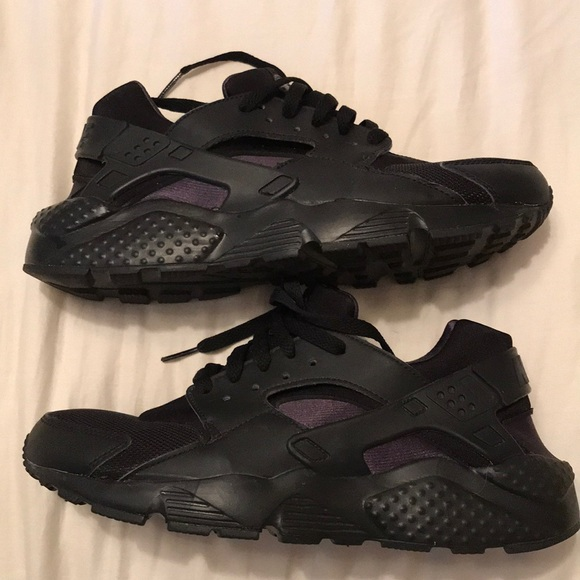 5ad54bf506 Nike Shoes | Huarache All Black Size 7 Youth | Poshmark