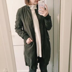 HM Divided long bomber in army green and gold sm