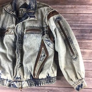 VINTAGE ACID WASH FLEECE LINED DENIM JACKET
