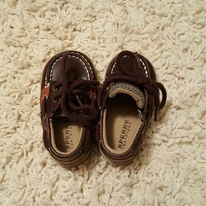 Sperry boys size 2M