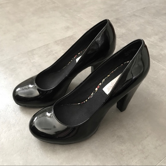 American Rag Shoes - American Rag Percy Black Patent Leather Pumps 8.5
