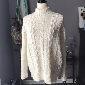 Jennifer Lopez, Size Large, Cable Knit Sweater