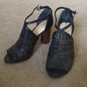 Via Spiga Peep Toe Booties/Sandals Black 6