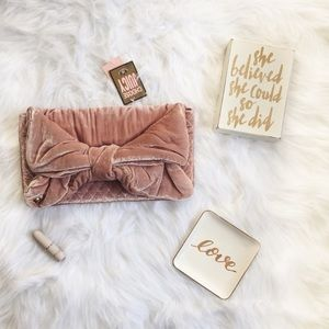 HP:NWT Juicy Couture Baby Pink Flair Velvet Clutch