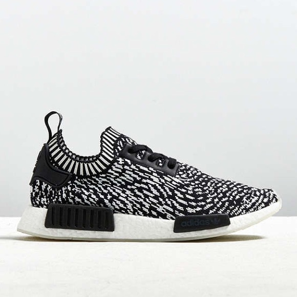 13d3c889c3b29 Adidas Mens NMD R1 Spotted Primeknit Sneaker 11.5