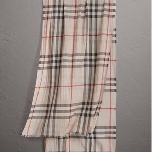 New Burberry Lightweight Check Scarf