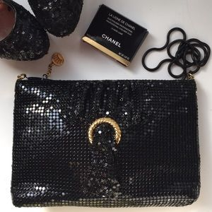 BLACK METAL MESH BAG WITH GOLD ACCENT & TASSEL