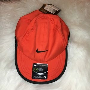 NWT toddler unisex Nike hat