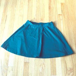 Old Navy hunter green skater skirt!