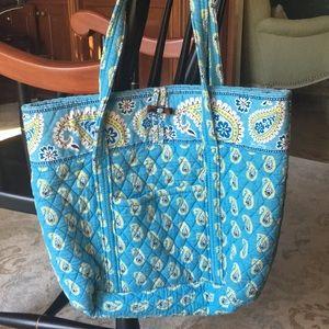 Vera Bradley bucket tote bag with pockets
