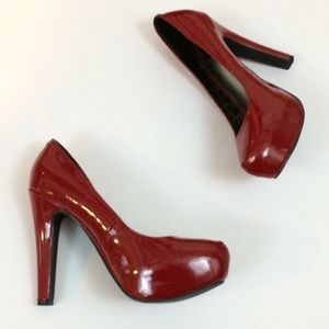 Like New G by Guess Candy Apple Red Pumps