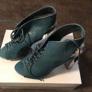 Steve Madden Valllie leather heels size7.5