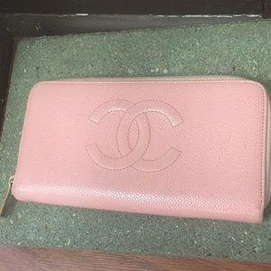 VINTAGE Chanel Pink Pebble Leather Zip Wallet