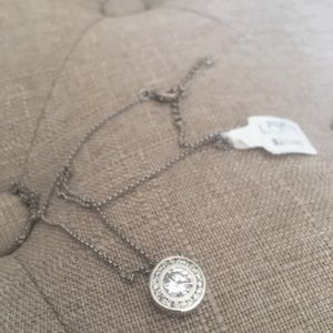 NWT. Loft halo necklace