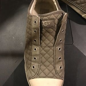 Gray UGG Low top shoes