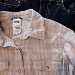Like New North Face XS Corduroy Button Down