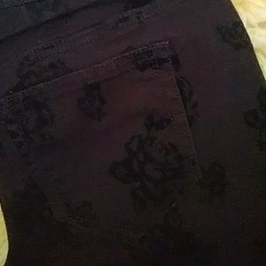 Black flowered skinny jeans NWOT sz 11