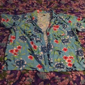 Hawaiian short-sleeve button up