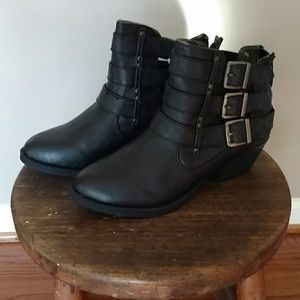 Women's size 7 Jellypop ankle boot