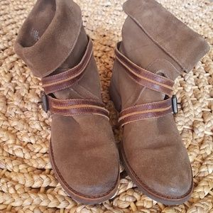 Prospector ankle boots