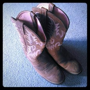 Ariat Women's Boots Sz 9B! Great Condition!!