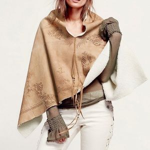 •Free People• Rare Sherpa Lined Pullover