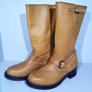 Size 6.5 Frye boots Engineer 12R in cognac EUC
