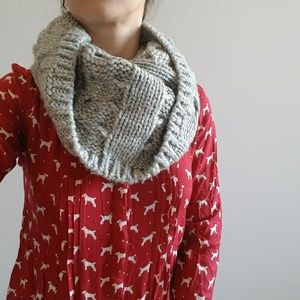 Gap Cable Knit Gray Infinity Scarf