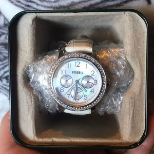 White pearl faced white leather Fossil watch