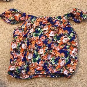 LF off-the-shoulder floral crop top