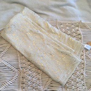 NWT Francesca's lightweight gold scarf