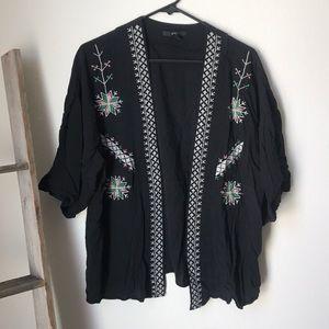 Black stitching detailing kimono