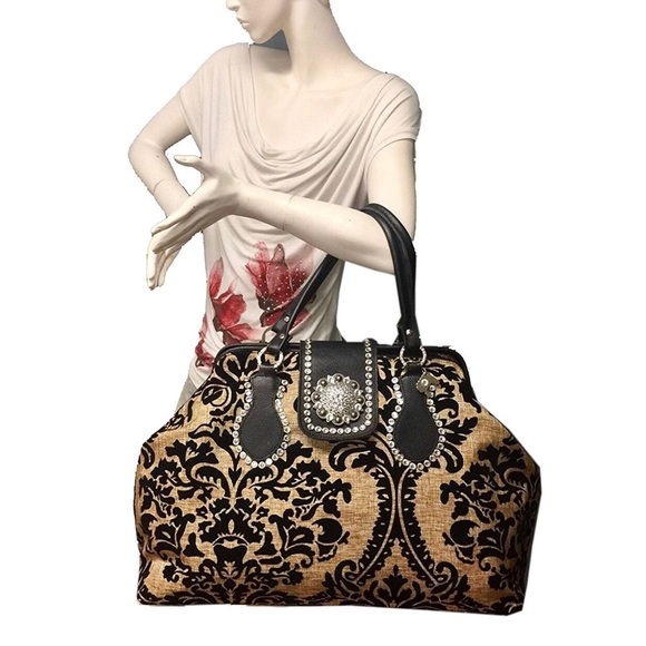 Large leather and Italian fabric Carry on Bag. Boutique. Raviani 2b0e309568802
