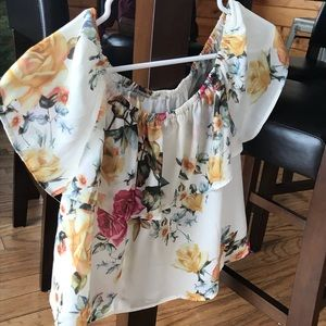 BRAND NEW. Crop top blouse!