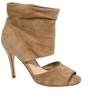 Steve Madden TRIUMPHH heels!