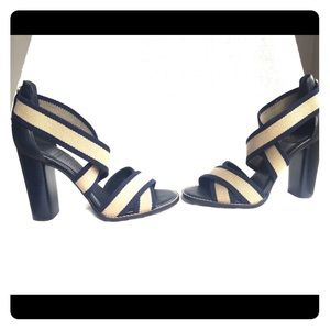 Tory Burch woman's heel sandal 7 like new
