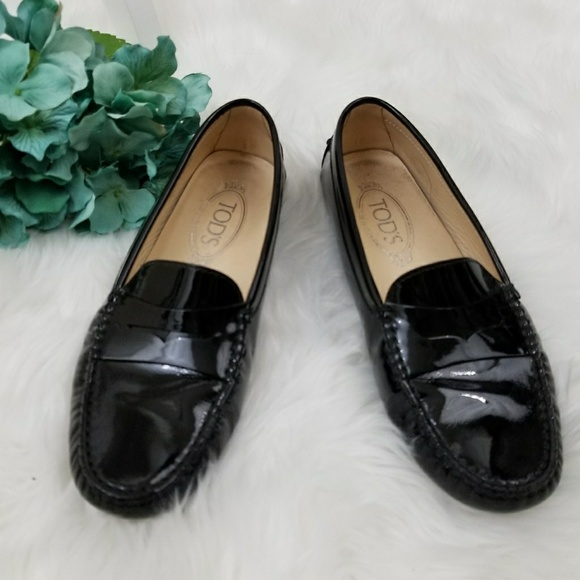 a98d1115f38 Tod s Gommino Black Patent Leather Loafers. M 5a2ee7ca99086a025804d955