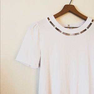 {Anthropologie} Ivory Pearl Tee Size XXS NWT