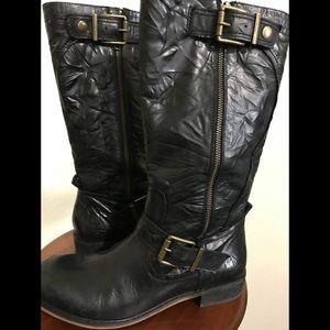 Black leather Gianni Bini boots