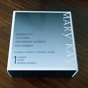 NWT empty compact mini by Mary Kay