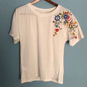 NWOT Floral Embroidered Tee