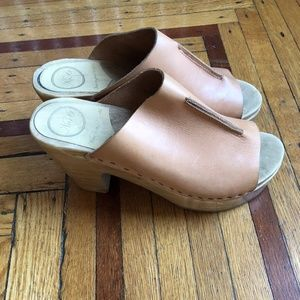 No. 6 Front Seam Slide Clog - Naked