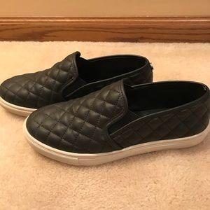 Size 7.5 black Steve Madden sneakers