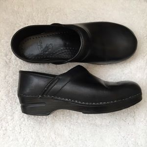 Dansko Black Clogs Size 9