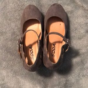 Soda wedge shoes size 1 kids