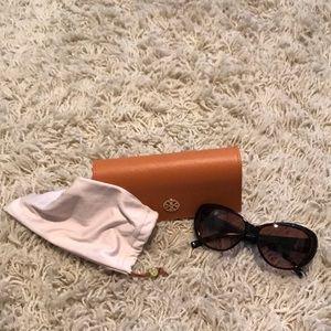 Tortoise Tory Burch sunglasses. EUC.