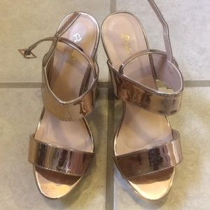 Metallic Gold Chunky platform heel